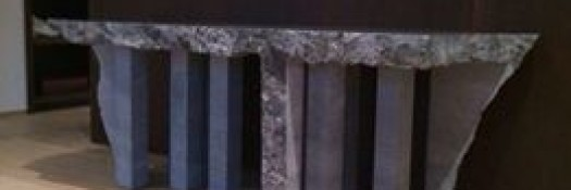 Tafel uit één stuk natuursteen